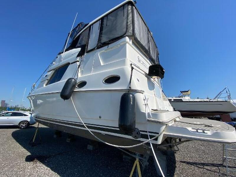 United City Yachts New Amp Used Boat Sales Powerboats